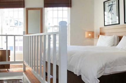 1563_1503492133-1369087892_DWKV-classic-1bed-bedroom[1].jpg